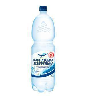 Вода газована, негазована, слабогазована  Карпатська Джерельна 1,5 л