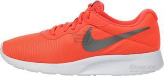 Кросівки Nike TANJUN SE 844908-801 р.7,5 помаранчевий