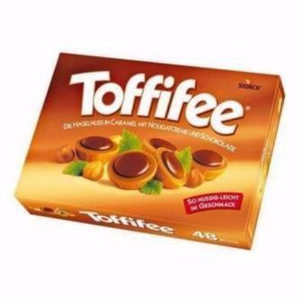 Цукерки  шоколадні Toffifee Storck 125г